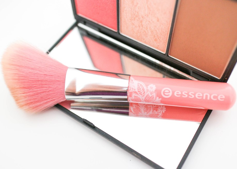 Essence Blush Brush