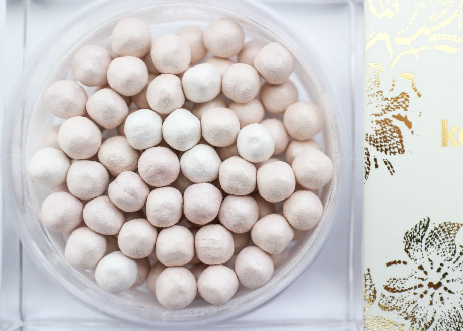 Kaviar Gauche for Catrice LE Blurring Powder Pearls