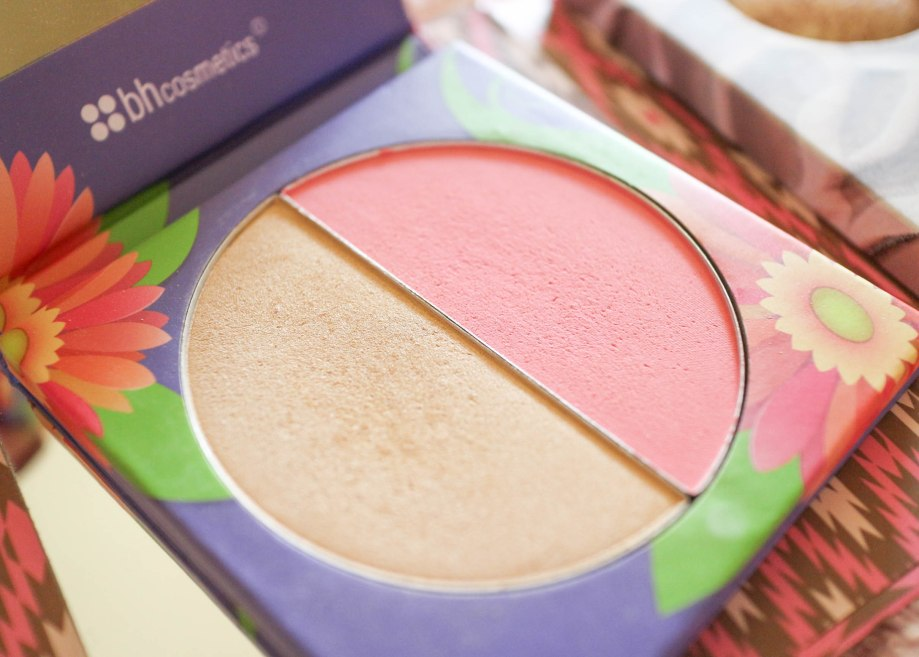 BH Cosmetics Floral Duo Blush Daisy