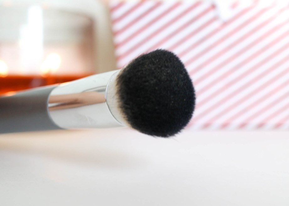 Up & Up Complexion Brush