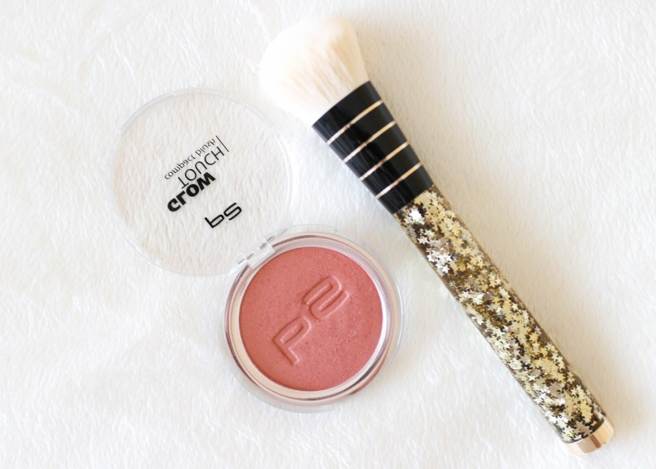 P2 Glow Touch Compact Blush Touch of Peony