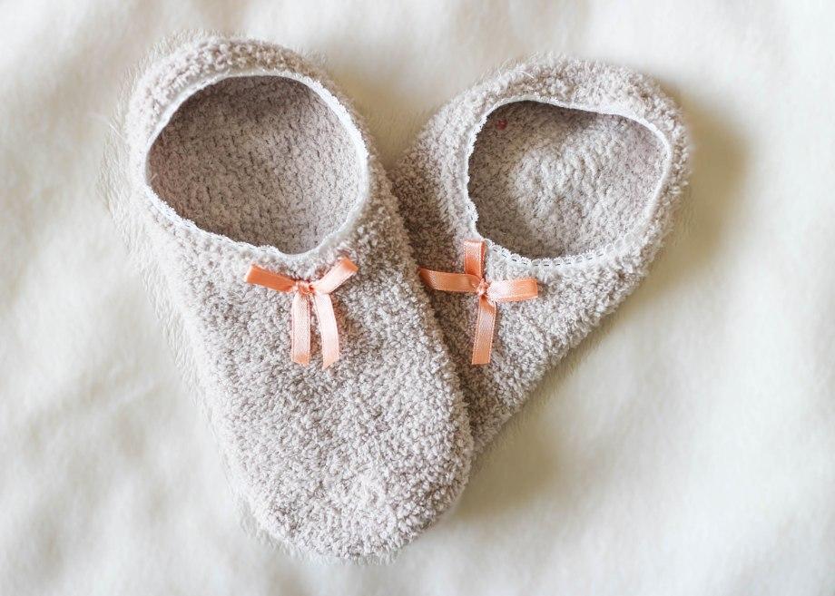 winter essentials grip socks