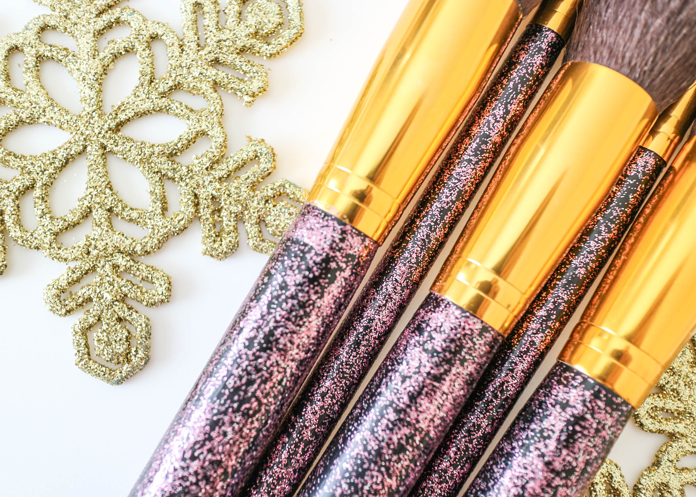 DIY Glitter Makeup Brushes | Moscato & Mascara