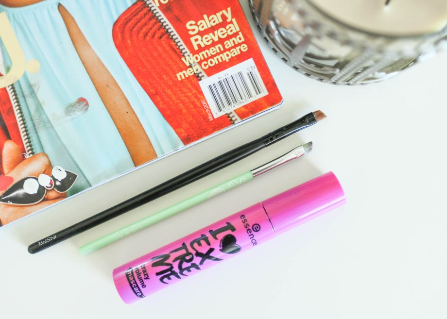 essence eyeliner brush
